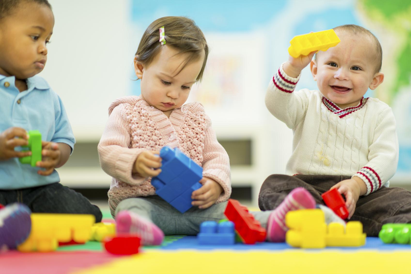 Resultado de imagen para babies playing togheter